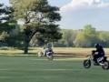 Legendárne golfové ihrisko zdevastovali hulváti na motorkách