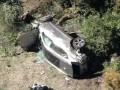 Woodsa museli po havárii vystrihnúť z auta, čaká ho operácia